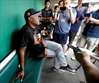 Barry Bonds joins Giants at camp to coach minor leaguers-Image4