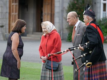 Collingwood woman meets the Queen on recent trip to Scotland