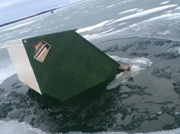 Ice huts sink in Innisfil as thin ice continues