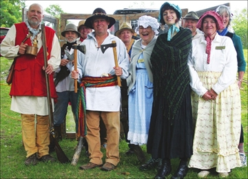 Heritage Day draws a crowd to market, despite the weather– Image 1
