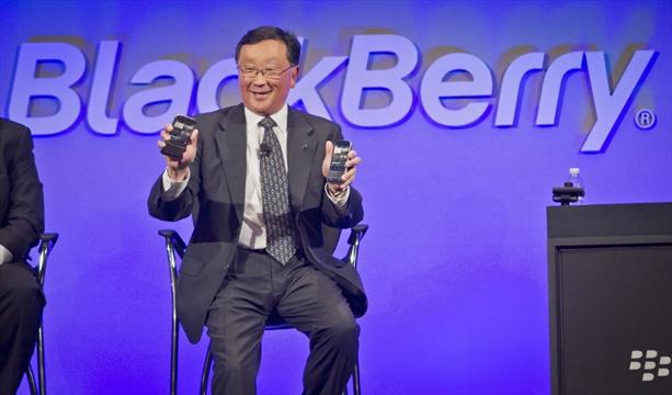 BlackBerry can't shake handset habit as it seeks software ...