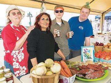 Market opens for the season in Penetanguishene