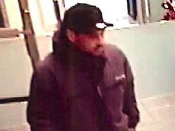 Man steals PlayStation 4s from Barrie Shoppers Drug Marts