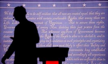 Debate Night: Clinton, Trump set for high-stakes showdown-Image8