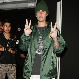 Justin Bieber insists he had monkey's documents-Image1