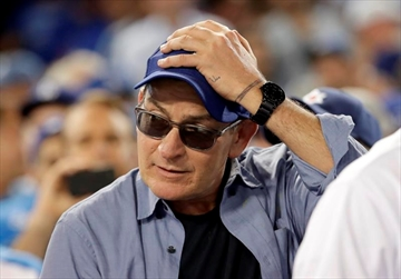 Sheen's 'Wild Thing' will not make pitch in World Series-Image1