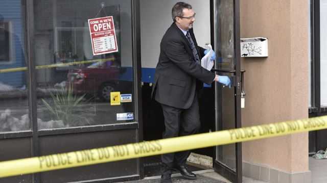Man Cave Barber Stoney Creek : Police release descriptions of four barbershop shooting