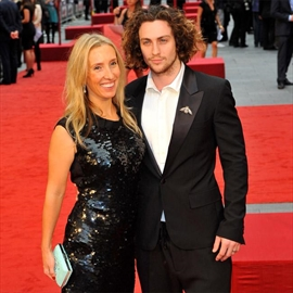 Aaron Taylor-Johnson given exclusive previews of Fifty Shades of Grey-Image1
