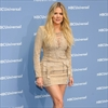Khloe Kardashian gets Twitter tips from sisters-Image1
