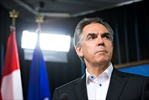 Pay cuts for Alberta premier, cabinet-Image1