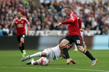 United's biggest problems exposed in 2-1 loss at Swansea-Image1