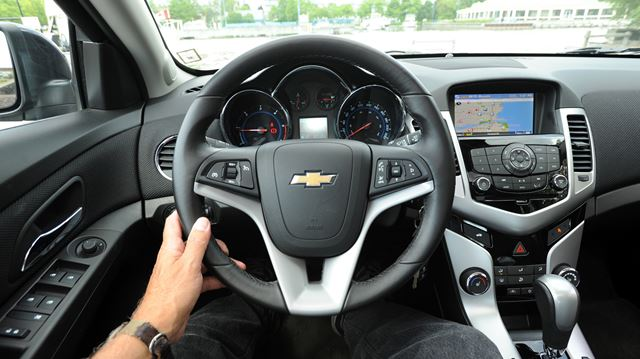 diesel dependability in chevrolet s best selling car chevy cruze. Black Bedroom Furniture Sets. Home Design Ideas