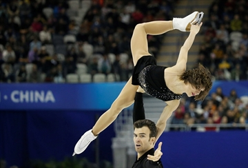 Canadian ice dancers settle for world bronze-Image1