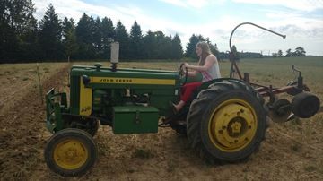 Deanna-tractor