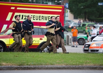Police: 'Several dead and wounded' in Munich mall shooting-Image4