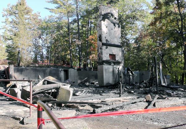 Fire destroys cottage on Upper Stoney Lake
