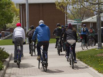 Town of Oakville boosts Active Transportation with more pedestrian and cycle paths