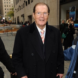 Roger Moore 'devoted' to late stepdaughter-Image1