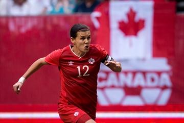 Sinclair, Hutchinson win Canada soccer awards-Image1