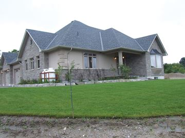 Stroud executive homes getting off the ground in Innisfil