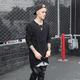 Justin Bieber wants to be role model to siblings-Image1