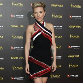 Scarlett Johansson wooed husband with meat loaf-Image1