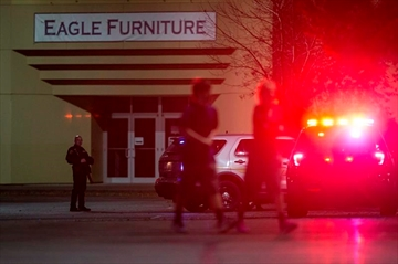 City 'changed forever' as authorities hunt mall gunman-Image5