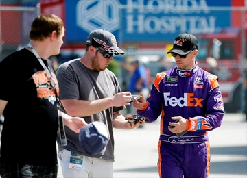 The Latest: 50 years after win, Andretti back at Daytona-Image1