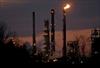 Barrel of US crude drops below $40-Image1