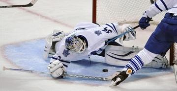 Kane leads Blackhawks past Maple Leafs 4-0-Image1