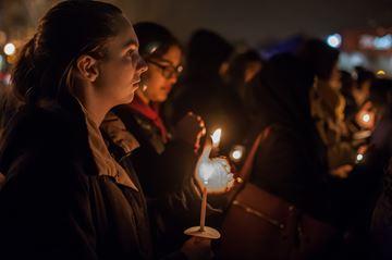 Hundreds attend London vigil