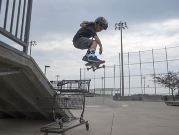 Oakville father and son appealing for improved skateboard facilities