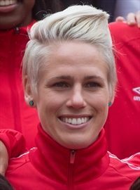 Sophie Schmidt signs with European champion -Image1