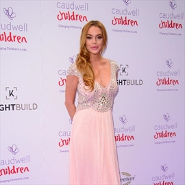 Lindsay Lohan has fled the country-Image1