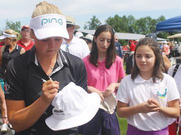 Golf fever takes over Smiths Falls