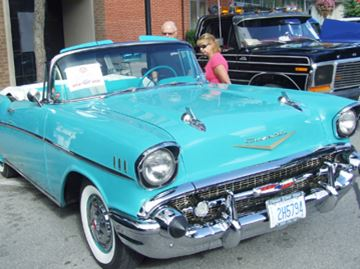 Classic cars in downtown Orillia
