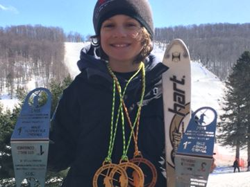 Oakville freestyle skier repeats as overall champ at eastern U.S. meet