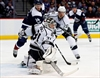 Lewis, Budaj lift Kings to 2-1 win over Avalanche-Image1