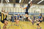 Le Caron volleyball teams go down swinging