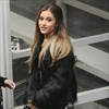 Miley Cyrus comforts 'diva' Ariana Grande-Image1