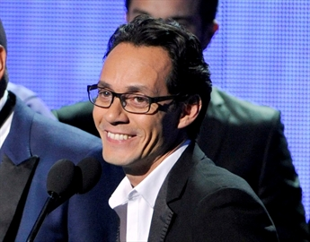 Singer Marc Anthony making pitch as sports agent-Image1