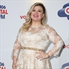 Kelly Clarkson's busy Christmas-Image1