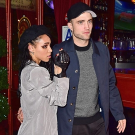 FKA twigs doesn't like being photographed -Image1