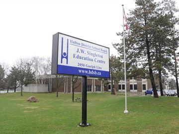 Halton H.S. teachers, school board resume contract talks April 22