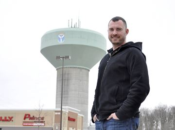 Rookie councillor Mitic named city's first sports commissioner