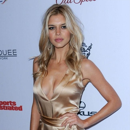 Local Car Auctions >> Kelly Rohrbach nervous of Baywatch role   TheRecord.com