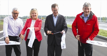 Business owners applaud opening of Hunt Club interchange– Image 1