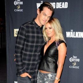 Ashley Tisdale loves married-Image1