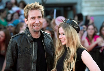 Avril Lavigne, Chad Kroeger separate-Image1