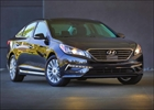 2015 Hyundai Sonata model has extensive equipment supplied as the stan– Image 1